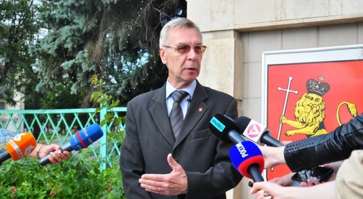 В горсовет народных депутатов претендует 182 человека