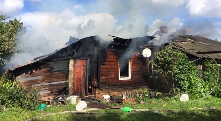 Еще один крупный пожар сильно повредил жилой дом в Струнино