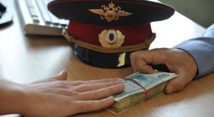 Бывшего полицейского-взяточника из Собинского района оштрафовали на полмиллиона