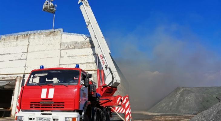 Во Владимире пожар уничтожил 1600 квадратных метров здания