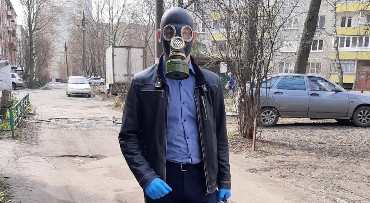Жители Владимира стали ходить на работу в противогазах?