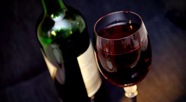 Врач прокомментировал данные о целебных свойствах красного вина при COVID-19