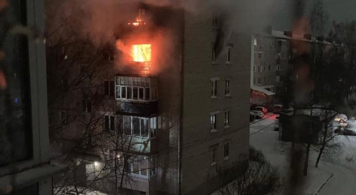 В Коврове пожарные вывели 30 человек из горящей пятиэтажки