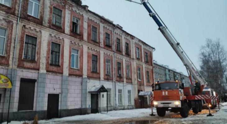 Губернатор Сипягин поручил расселить погорельцев дома в Собинке