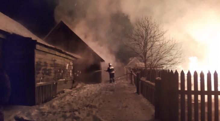 Женщина погибла, спасая с мужем свое имущество от пожара