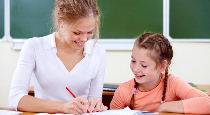 В Госдуме намерены поднять зарплату учителям