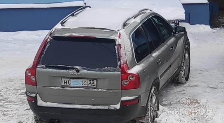 Владимирский водитель внедорожника спрятал номера под медицинской маской