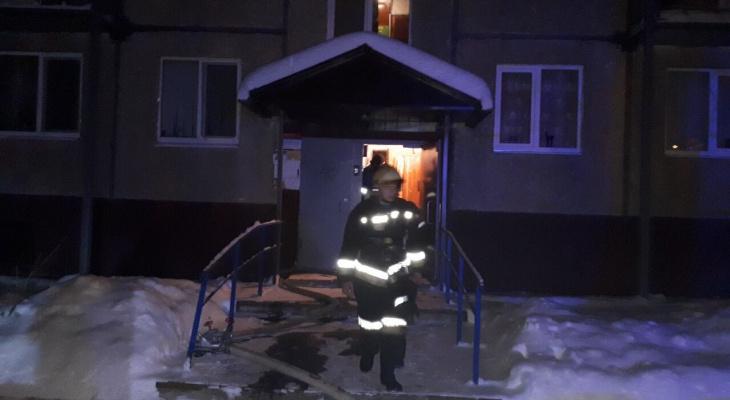 Стали известны подробности трагедии с женщиной, спрыгнувшей с ребёнком с 6 этажа