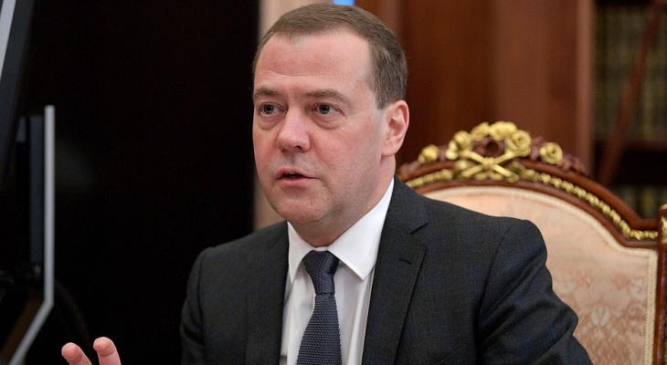 """Дмитрий Медведев: """"Россию могут отключить от сети интернет"""""""