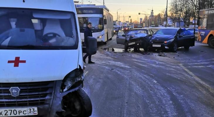 Страшная авария во Владимире: протаранили карету скорой помощи