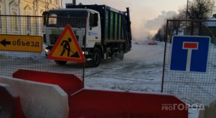 С приходом оттепели возобновили ремонт теплотрассы на Луначарского
