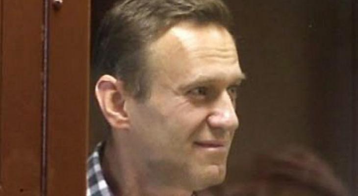 """Блогер-оппозиционер Алексей Навальный выложил первую """"весточку"""" из кольчугинского СИЗО."""