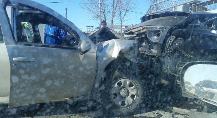 Ужасающая авария из нескольких машин возле РТС