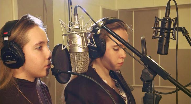 Песня сестёр Каратыгиных из Красной Горбатки попала в ротацию нескольких радио