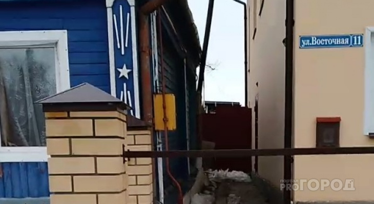 """Война соседей под Владимиром: """"Он зимой не чистил снег, теперь топит мой участок"""""""