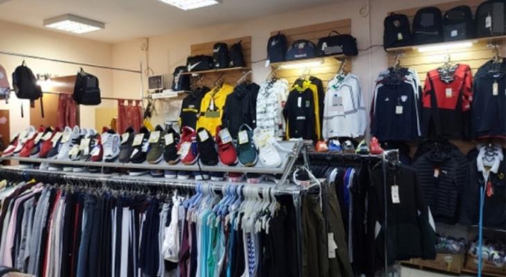 Во Владимирской области продавали поддельную одежду известных брендов