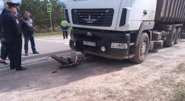 Во Владимирской области подросток на мопеде влетел в грузовик