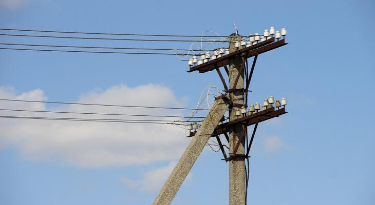 Во Владимирской области прохожего ударило током из-за провисшего провода ЛЭП