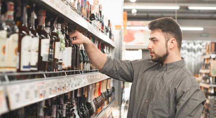 Стало известно, сколько жители Владимирской области тратят на еду и алкоголь