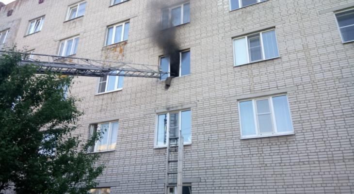 Сегодня владимирские пожарные эвакуировали почти 60 жителей многоэтажек