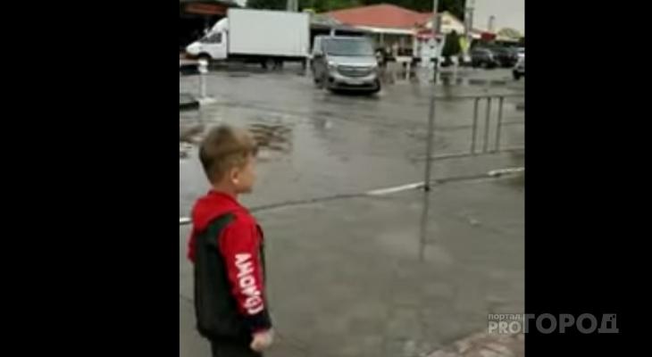 """Владимирцы в Анапе: """"После ливня тут потоп, из канализации прут фекалии"""""""