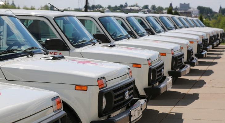 Больницы во Владимирской области получили 42 новых автомобиля