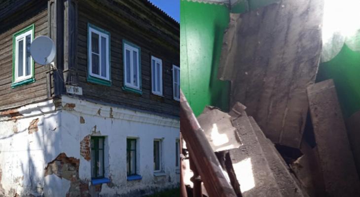 В Юрьев-Польском в подъезде жилого дома рухнул потолок