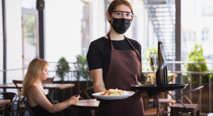 """Рестораторы попросили """"Белый дом"""" отменить антиковидные ограничения: что из этого вышло?"""