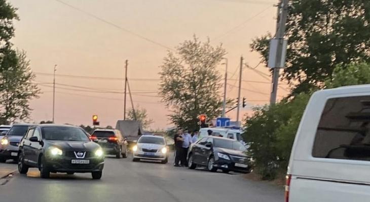Водитель несколько раз ударил сотрудника ГИБДД