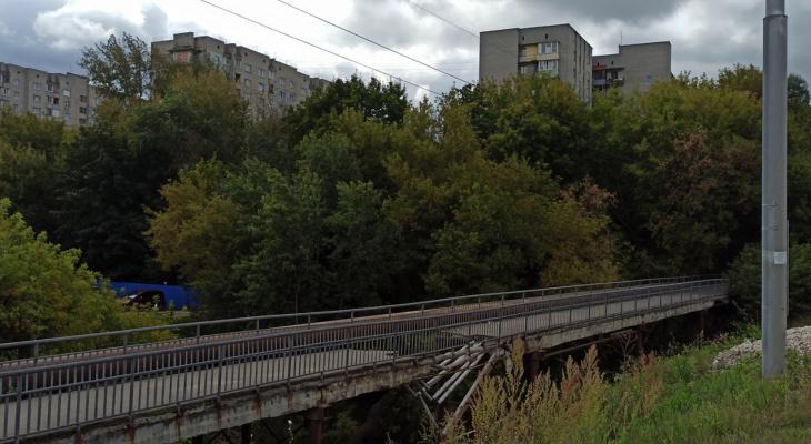 Для ремонта пешеходного моста возле Веризино ищут подрядчика