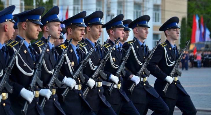 Российским военнным и правоохранителям проиндексируют зарплату