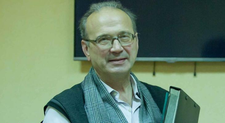 Во Владимире умер коллекционер звездных автографов, педагог Михаил Костаков
